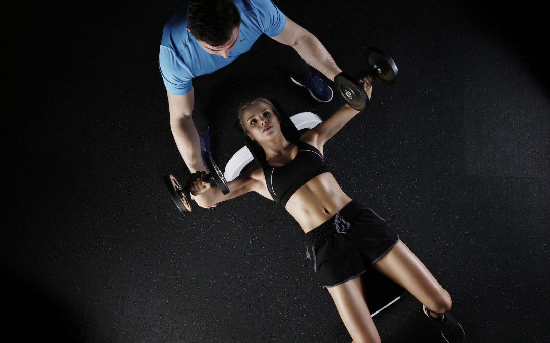8 choses à savoir avant d'engager un coach sportif